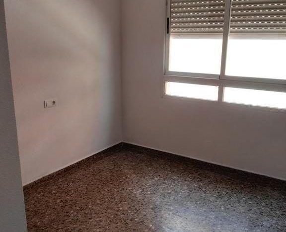 Flat in castell n ref 01023 inmobiliaria volga - Pisos baratos en castellon de bancos ...